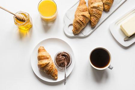 Croissant alla crema al caffè